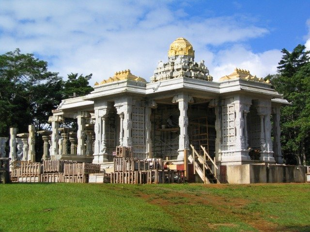 Visit Kauai's Hindu Temple and Sanctuary
